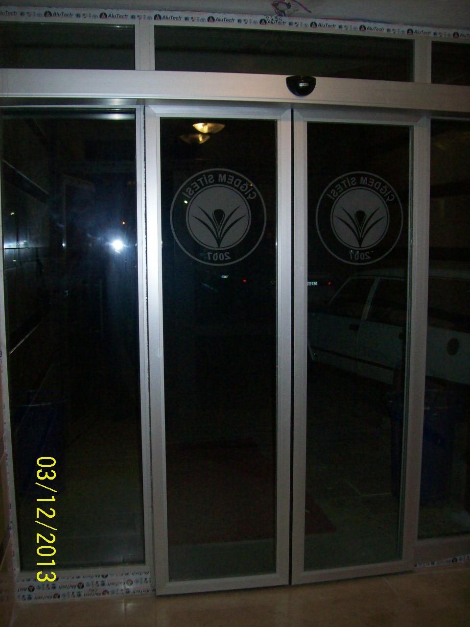 ÇİĞDEM SİTESİ (Fotoselli Kayar Kapı ve Alüminyum doğrama)